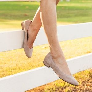 Easy Spirit® Evolve Kutipie scalloped taupe flat